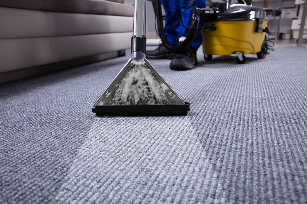 extracting water in carpet